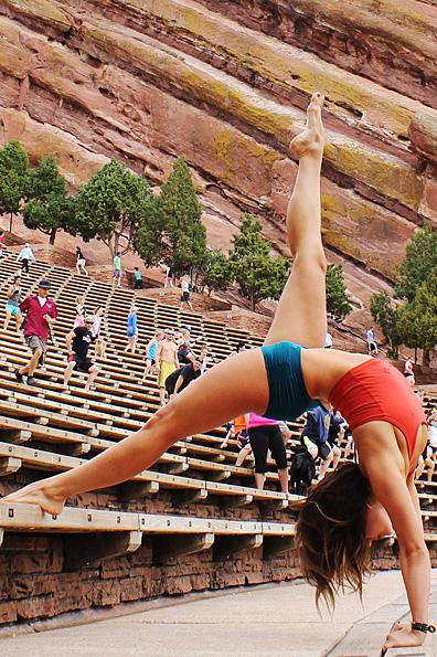 Mika Yoga Wear and Pole Wear - Haga clic en mí